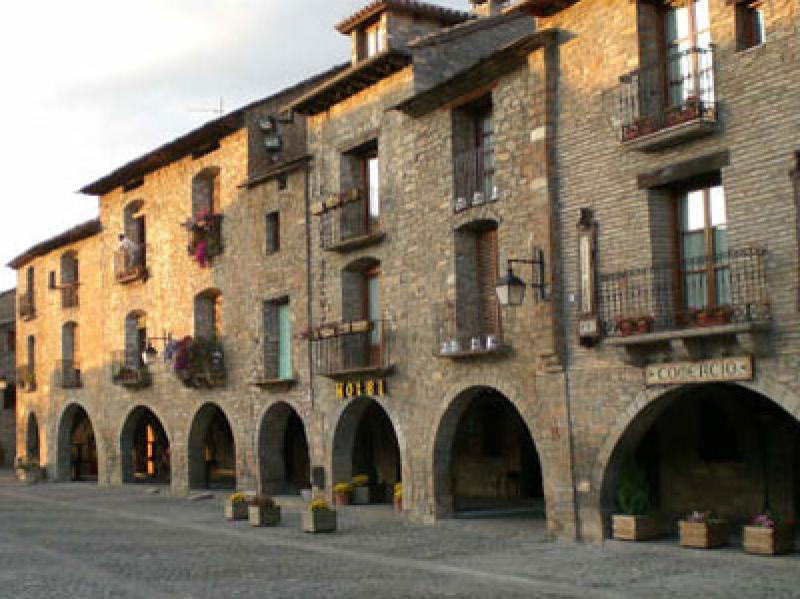 Ainsa-Plaza-Mayor